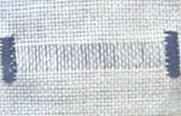 Рис. 62. Висмикнуті нитки для мережки